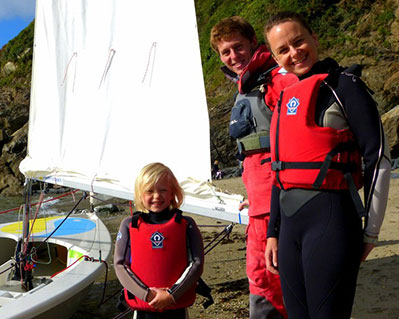 2 Group Sailing Lesson in Cornwall