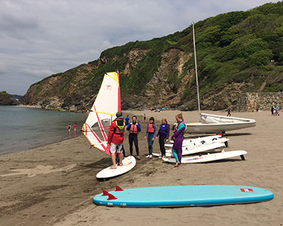 2 Group lesson Windsurfing with friends in Cornwall