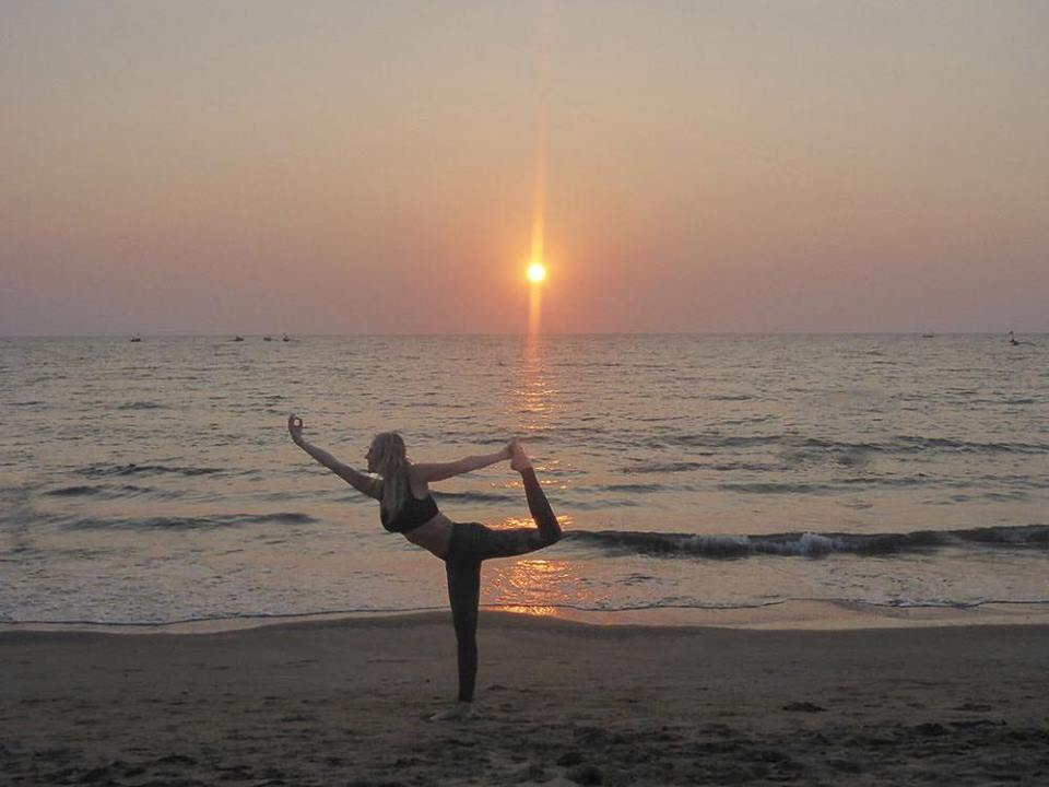 Beach Yoga Sessions Cornwal with Elm Yoga
