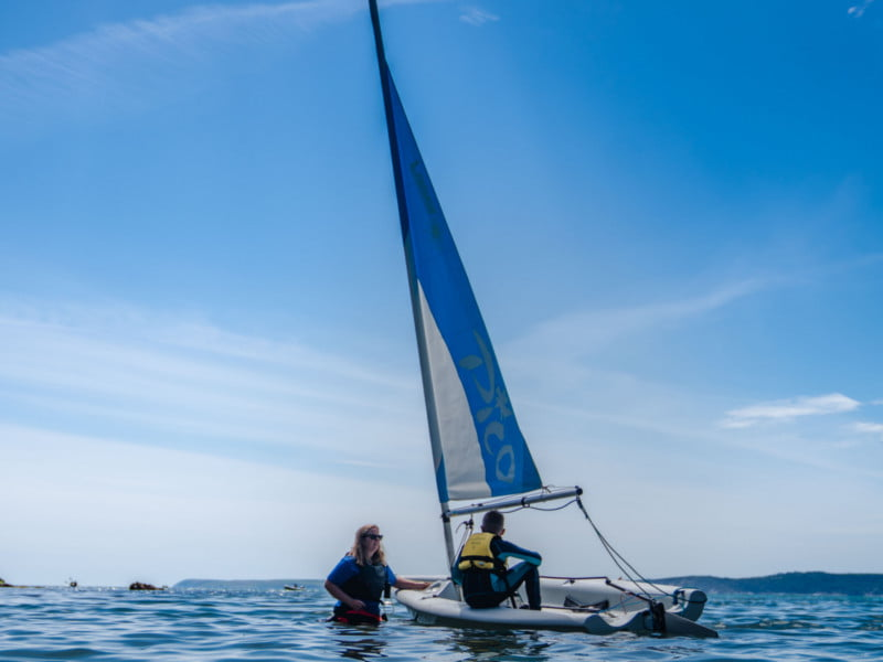 polkerris-beach-cornwall-dinghy-sailing-stage2-lesson