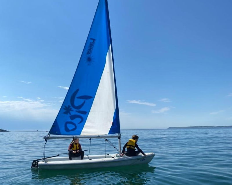 polkerris-beach-cornwall-sailing-youth-stage1